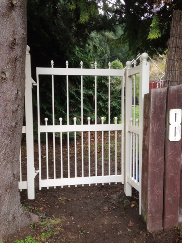 Custom style gate with spears